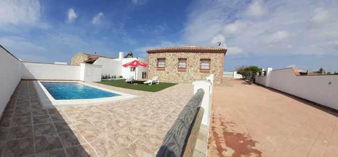 casa en conil con piscina privada