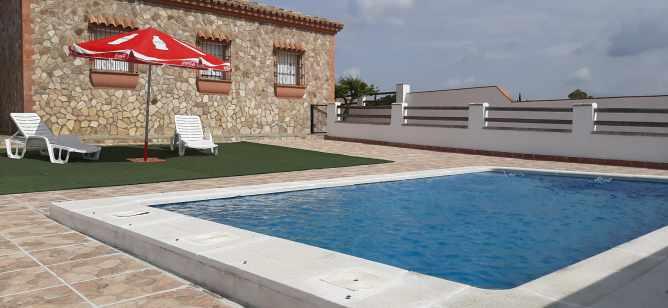 chalet en El Mayorazgo con piscina