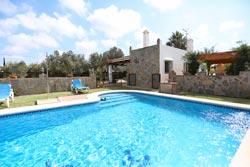 Chalet con piscina muy cerca de urbanización Roche, a 7 minutos de Conil.