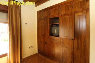 television en armario