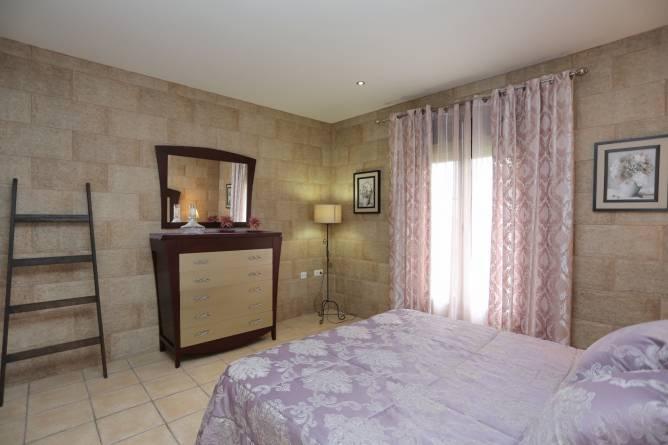 cómoda de 5 cajones del dormitorio