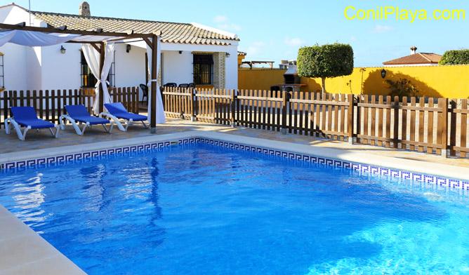 Chalet en Conil de la Frontera con piscina privada