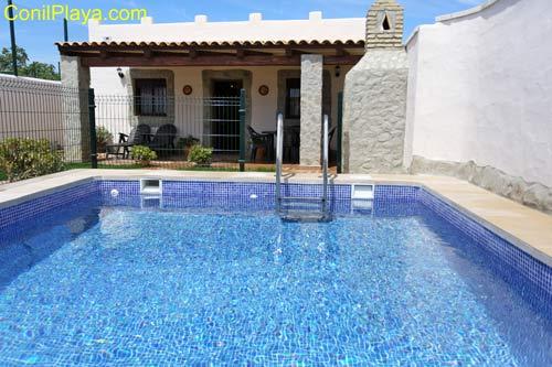chalet en Conil de la Frontera con piscina