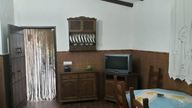Sofá del salón y mesa comedor