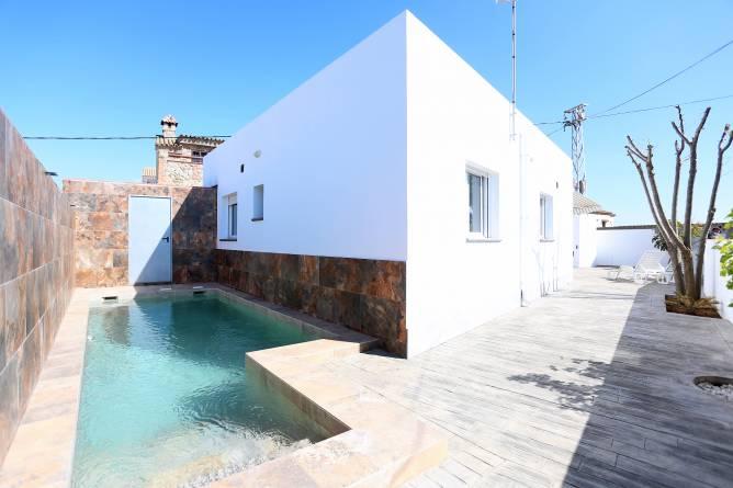 chalet en Conil con piscina privada vallada