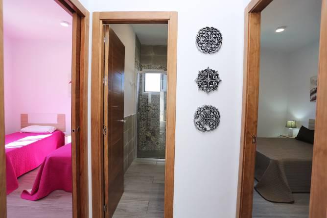 interior del chalet, salon y cocina