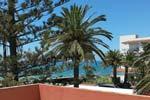 Chalet de lujo con piscina en Conil, en la urbanización la Fuente de El Gallo. 3 dormitorios con cuarto de baño. 6 personas.