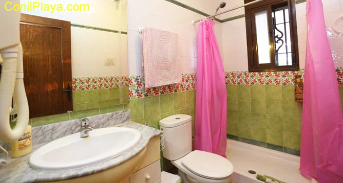 cuarto de baño con secador