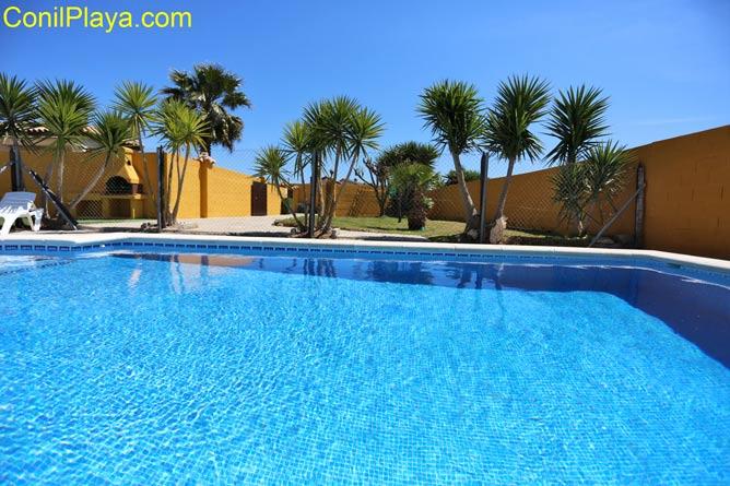 Chalet en Conil con piscina privada
