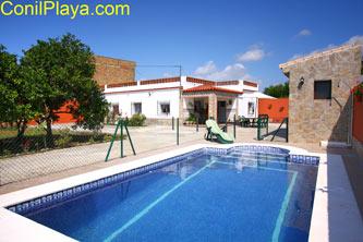 Chalet con piscina en Conil de la Frontera, Cádiz, Andalucía.