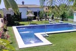 Chalet en Conil con piscina en zona tranquila