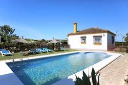 Alquiler de chalet en Conil con piscina privada