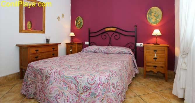 Dormitorio principal, dispone de armario