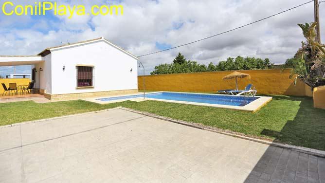 chalet con piscina privada en Conil de la Frontera, Cadiz
