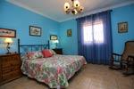 Chalet de 3 dormitorios y capacidad para 6- 8 personas.
