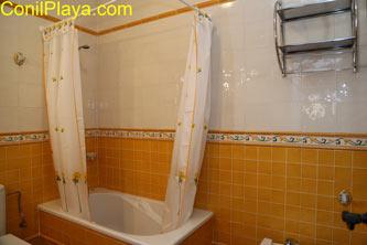 bañera del cuarto de baño