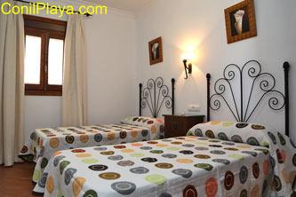 dormitorio de 2 camas