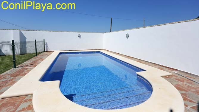 piscina con escalones de obra