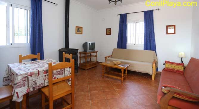 interior del chalet, salón, cocina y comedor