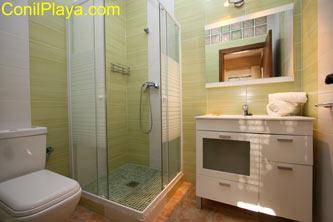 cuarto de baño con ducha