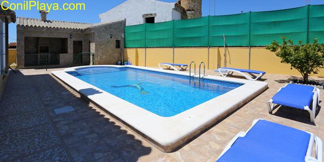 La piscina es privada