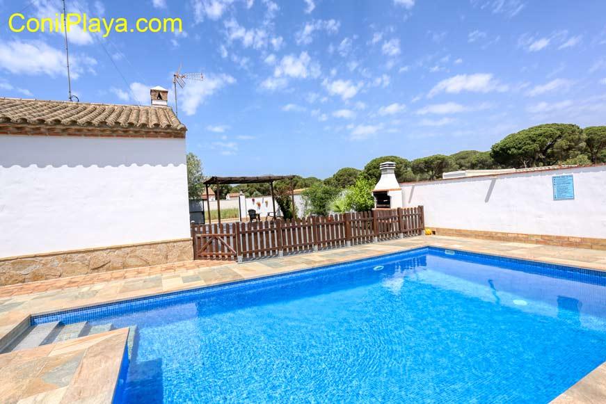piscina del chalet en Majadales de Roche, Conil de la Frontera