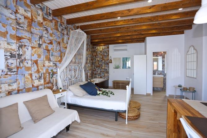 salon y dormitorio del apartamento