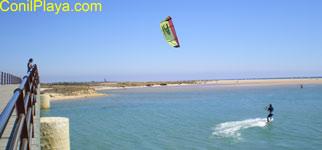 kitesurf en el rio salado, Conil.