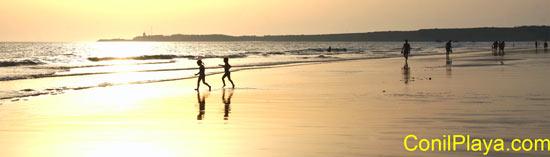 Conil, atardecer en la playa de la Fontanilla. 4 de Agosto de 2008.
