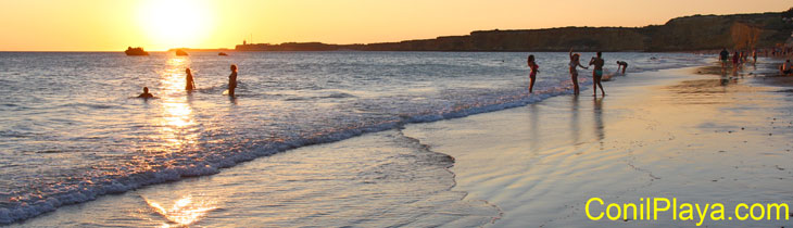 Playa de la Fuente del Gallo, las 3 piedras