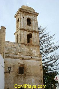 Torre de la Iglesia de Santa Catalina sin restaurar.