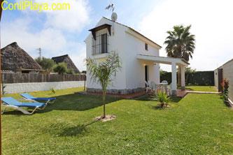 Casa en El Palmar de dos planta en zona tranquila.