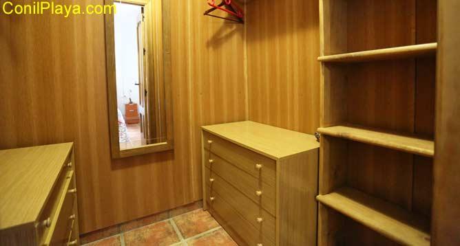 vestidor del dormitorio principal