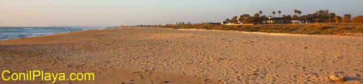 Playa de El Palmar a la altura de los chalets