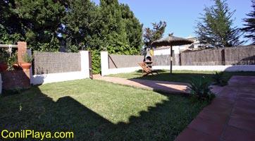 jardin con césped