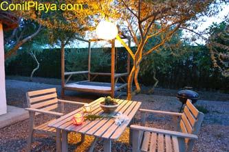 mesa exterior de la casa
