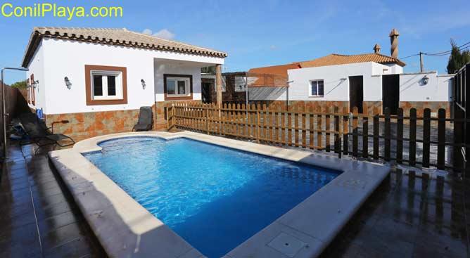 chalet con piscina en El Palmar de Vejer