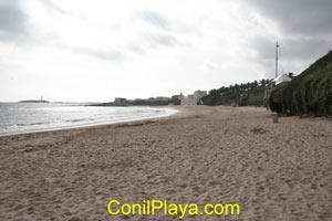 Zona donde brota el agua de las paredes de la playa.