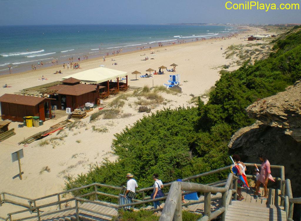 Escaleras de bajada a la playa