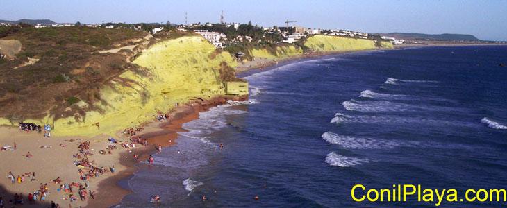 La Cala del Puntalejo y la playa de la Fuente del Gallo.