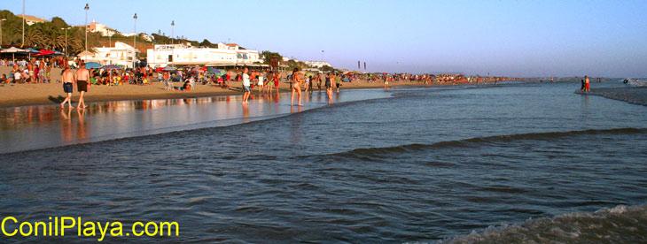 Paseando en la playa de la Fontanilla