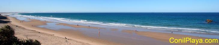 Vista sur de la playa.