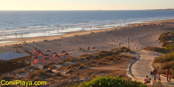 Rampa de acceso a la playa.