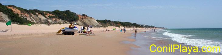 Playa del Puerco. Moto acuática del puesto de salvamento / socorro.
