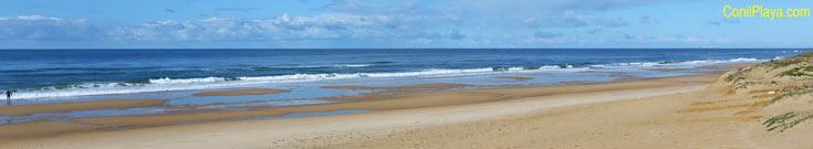 Bajada a la playa de Roche. Calle Dinamarca.