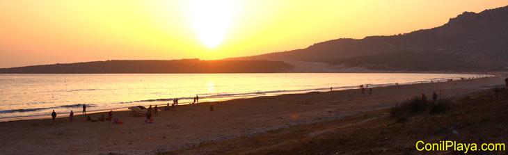 Puesta de Sol en la playa de Bolonia. 17 de agosto de 2011.