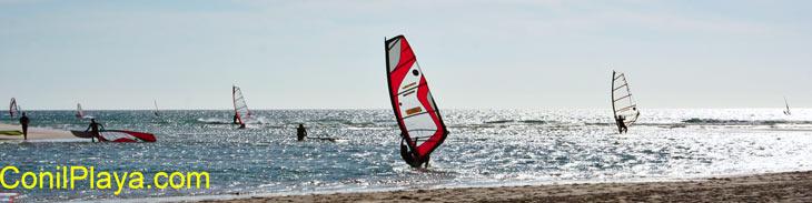 Windsurf con viento de levante.