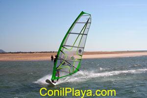 Windsurf en el rio salado.