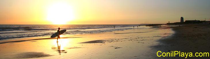 Atardecer despues de un día de Surf en El Palmar. Julio de 2009.
