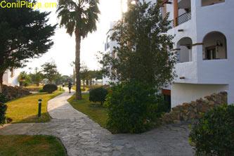 Jardin y terraza del apartamento